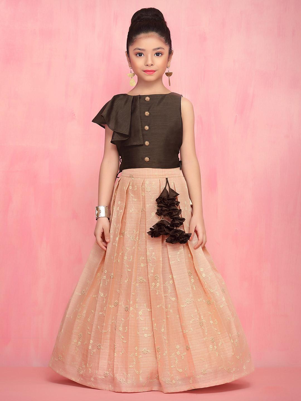 Beautiful brown raw silk lehenga choli for wedding functions?imgeng=w_400