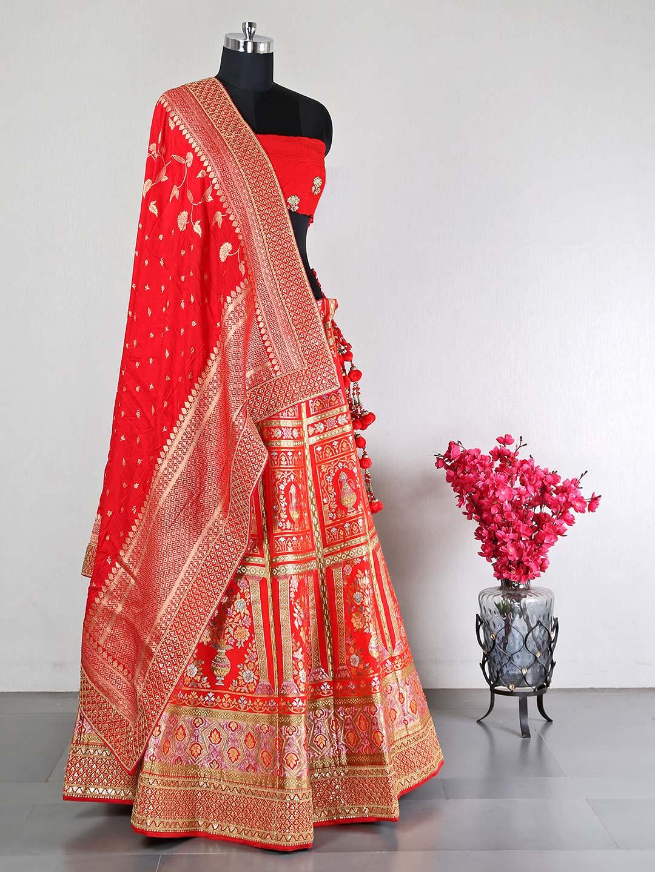 Beautiful red silk unstitched lehenga choli for wedding?imgeng=w_400
