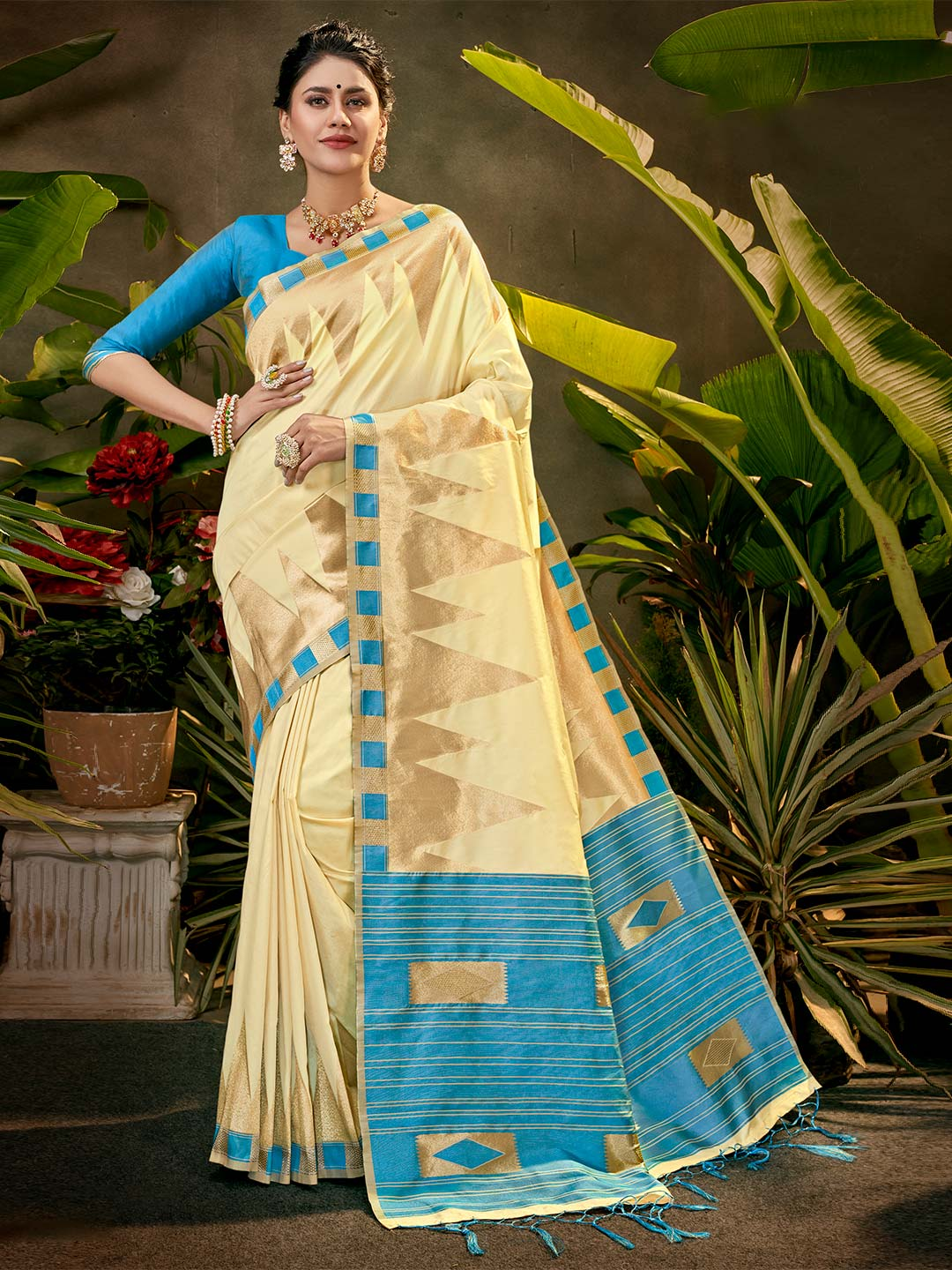 Beige silk saree for party function?imgeng=w_400