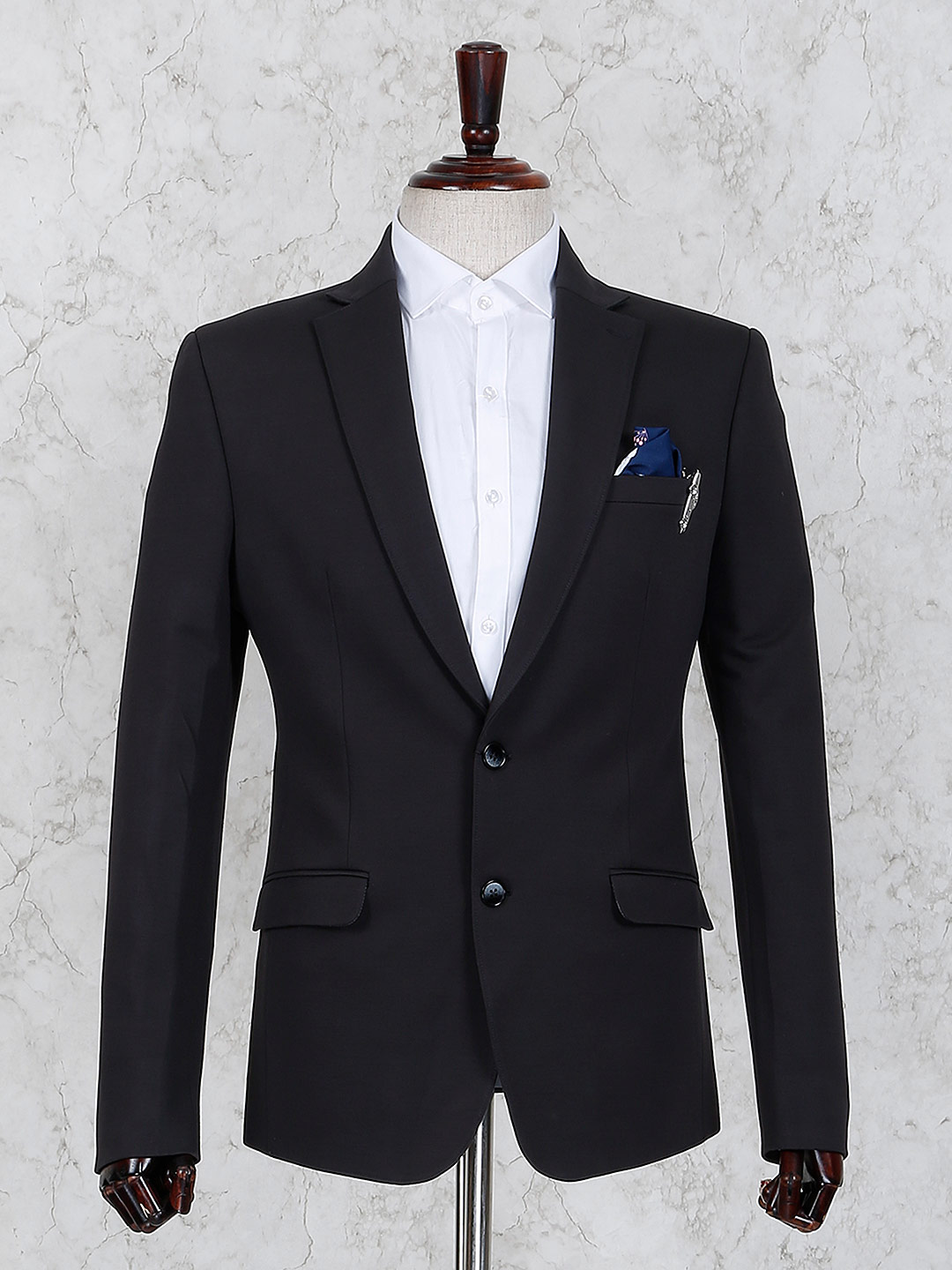 Black color two buttoned placket blazer?imgeng=w_400
