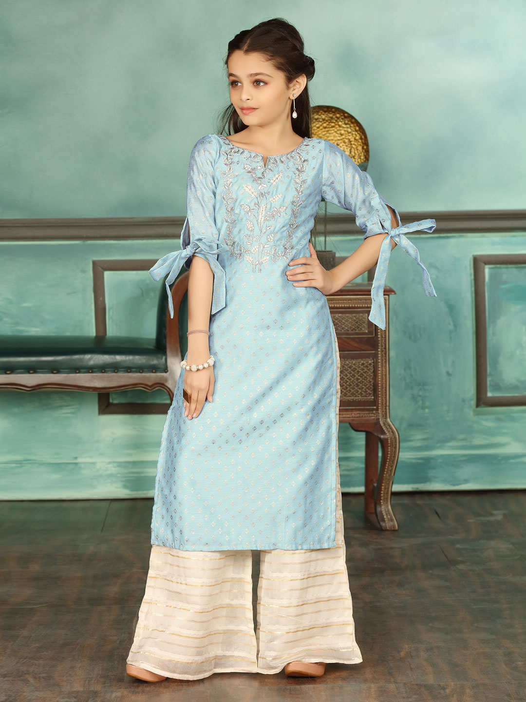 Blue cotton silk palazzo suit for girls?imgeng=w_400