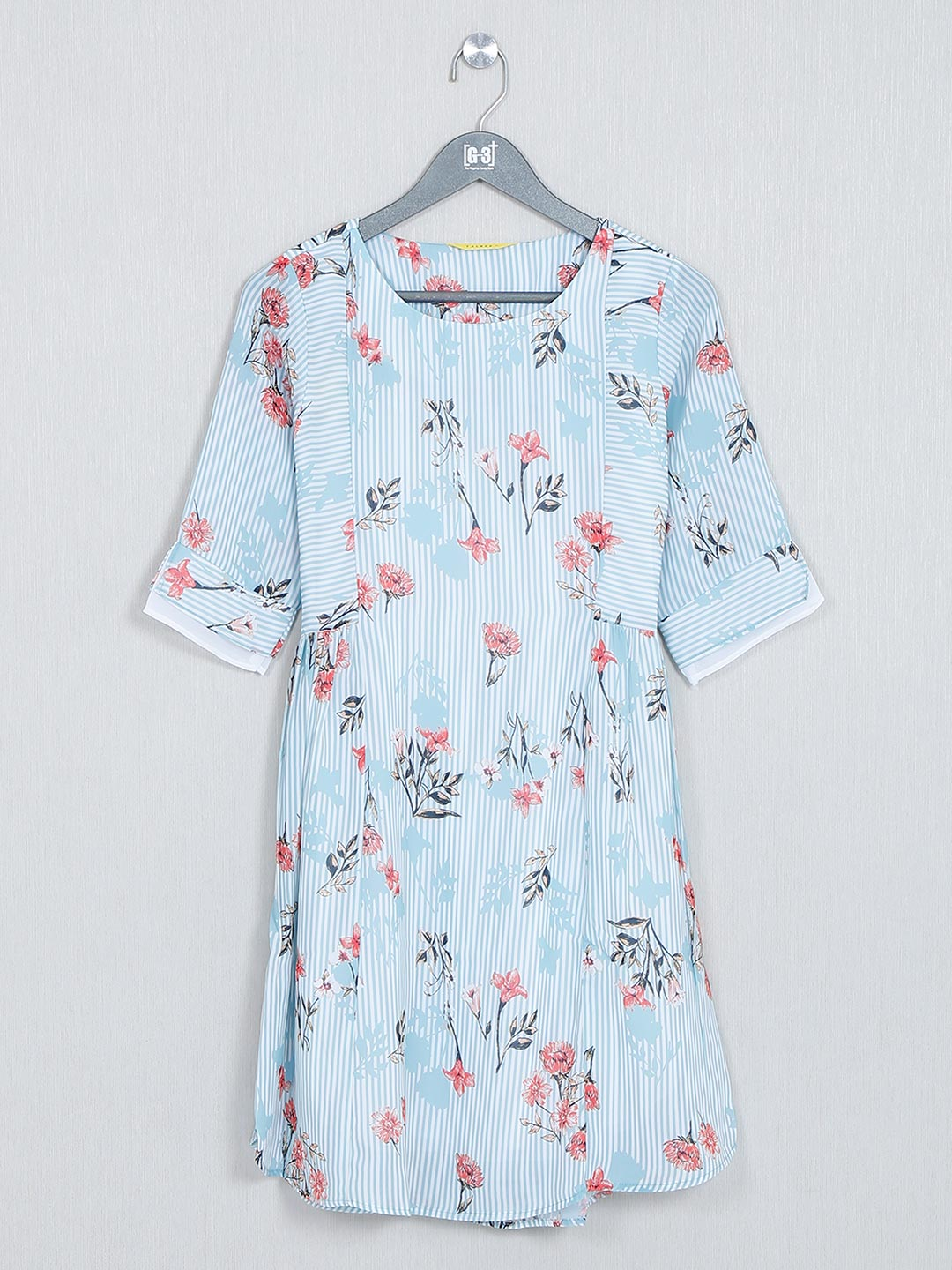 Blue printed cotton top for casual wear?imgeng=w_400