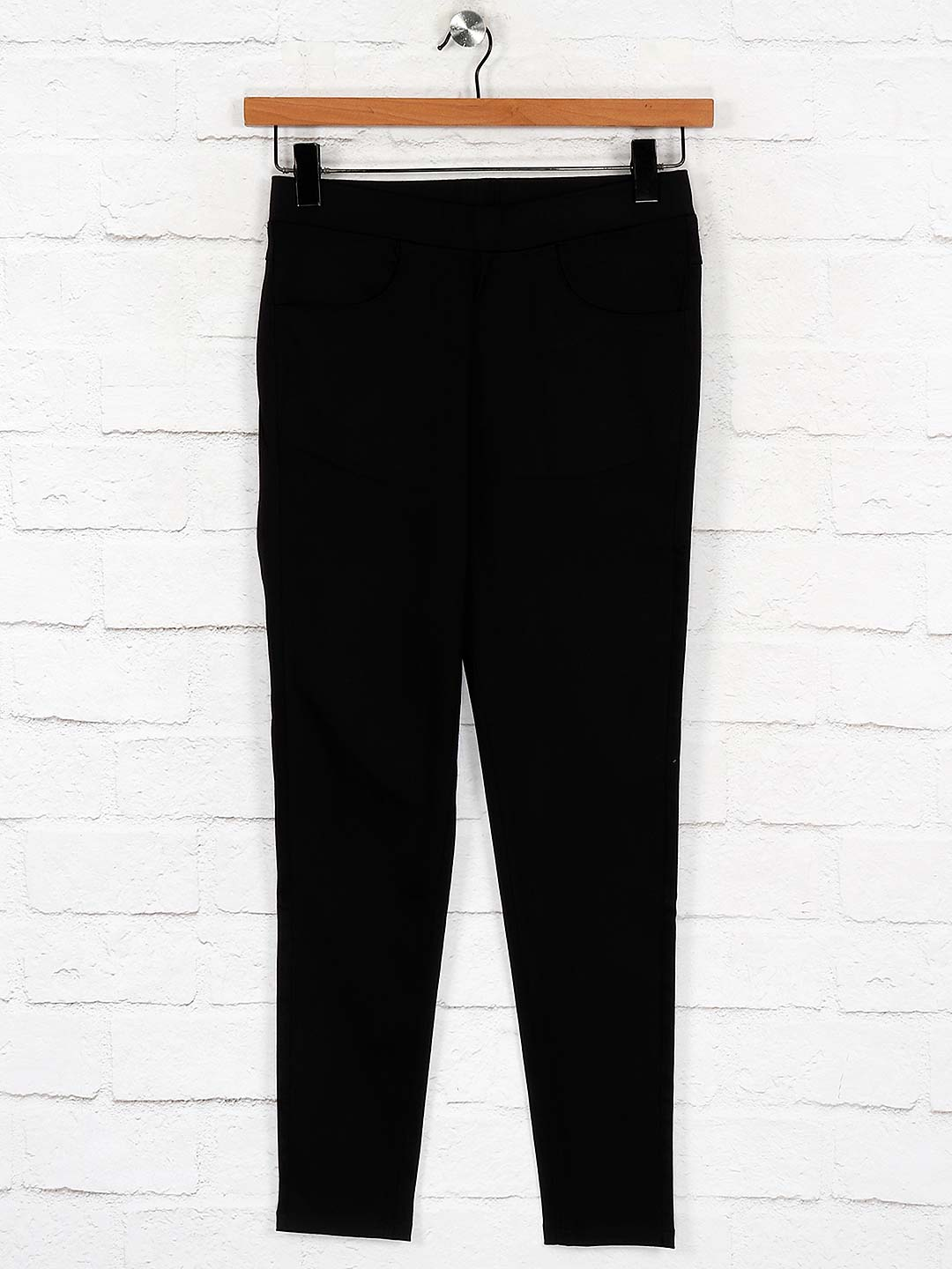 Boom cotton black solid skinny fit jeggings?imgeng=w_400