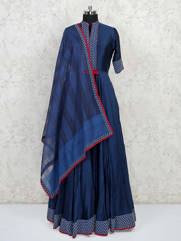 Designer blue raw silk wedding wear gown?imgeng=w_400