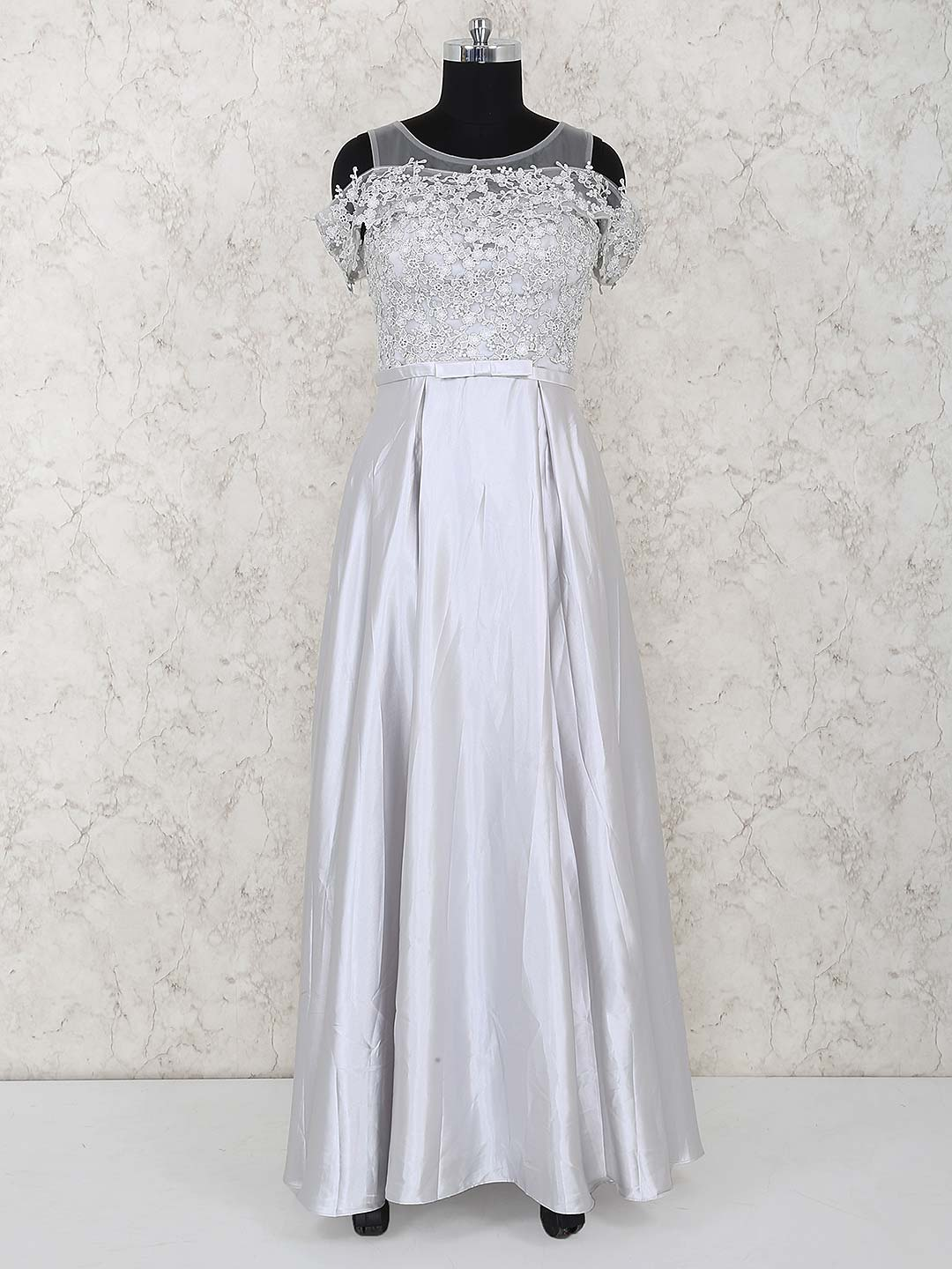 Gorgeous grey color gown?imgeng=w_400