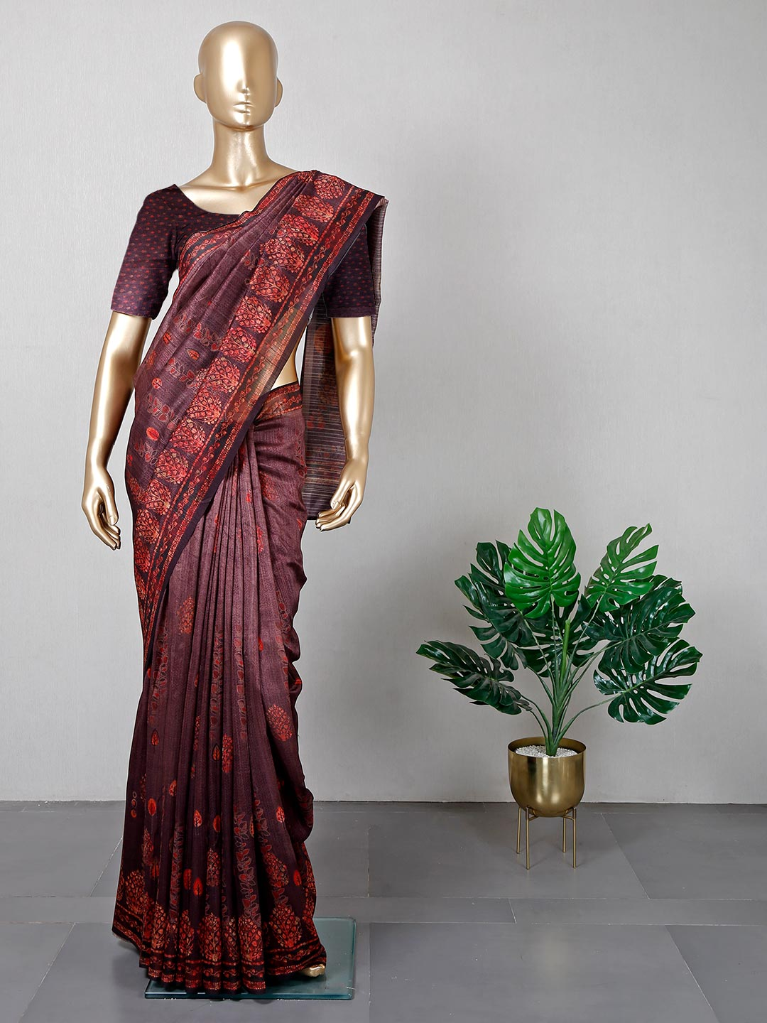 Latest brown colored cotton festive wear saree?imgeng=w_400