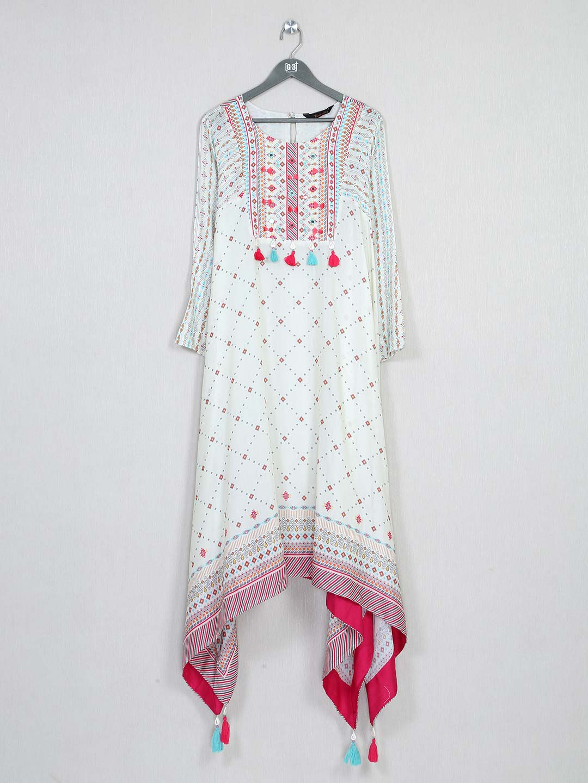 Latest white cotton kurti for festive wear?imgeng=w_400