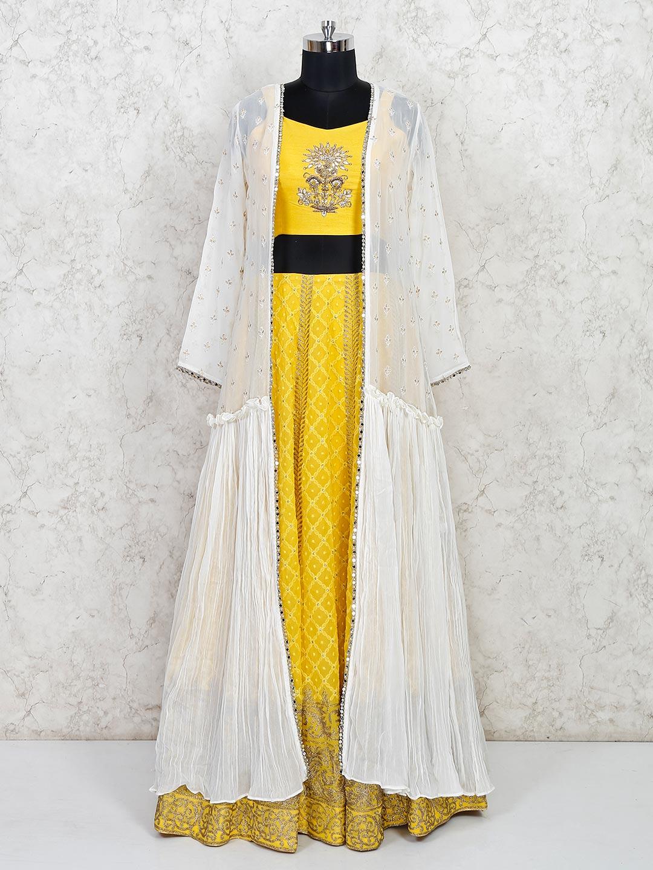 Latest yellow georgette wedding wear lehenga choli?imgeng=w_400
