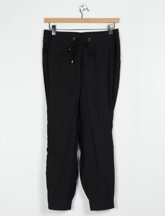 Black cotton solid pyjama for women
