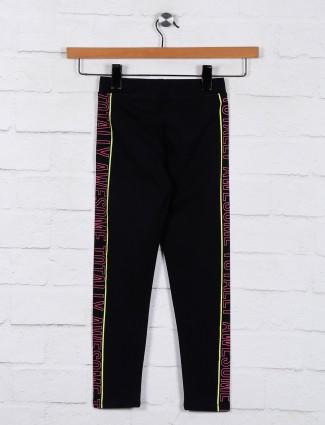 Black solid casual wear jeggings
