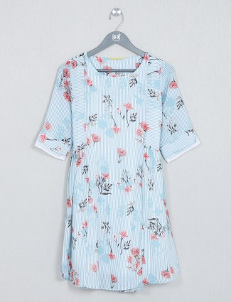 Blue printed cotton top for casual wear