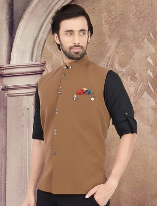 Brown solid stand collar cotton waistcoat