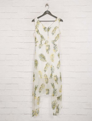Deal latest printed cream top