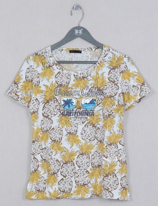 Deal latest printed white hue casual top for women