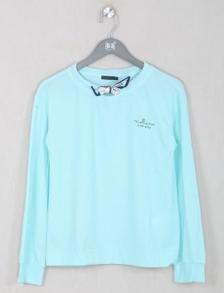 Deal presented aqua hue top
