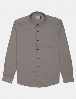 Frio solid beige cotton mens casual shirt