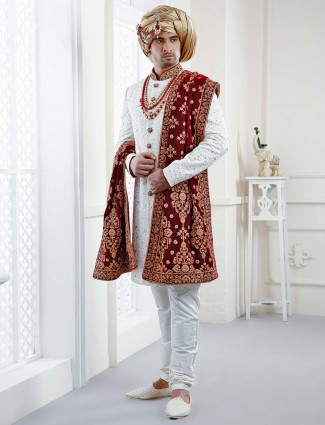 Georgette white hue wedding wear sherwani