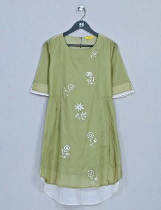 Green casual wear cotton top for women