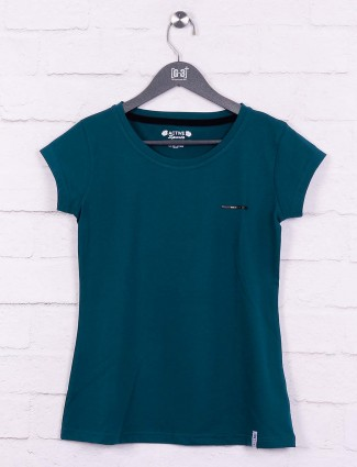 Green color round neck top
