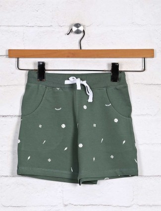 Green cotton skinny fit printed shorts