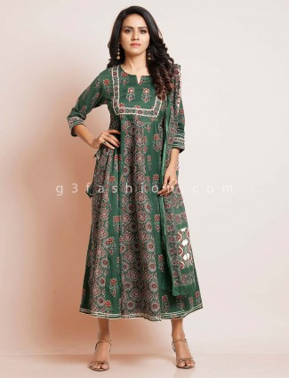 Green cotton suit for festive in cotton