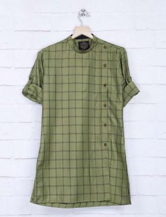 Green hue checks side slits button kurta suit