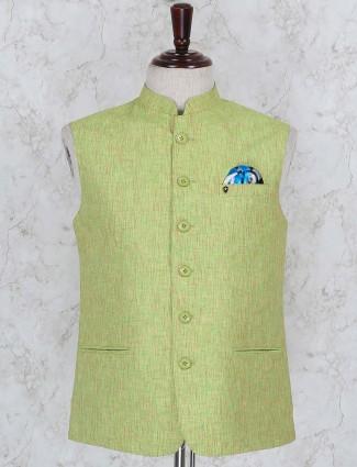 Green hued solid cotton fabric waistcoat