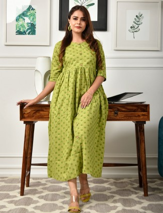 Green printed kurti for day to day look in cotton