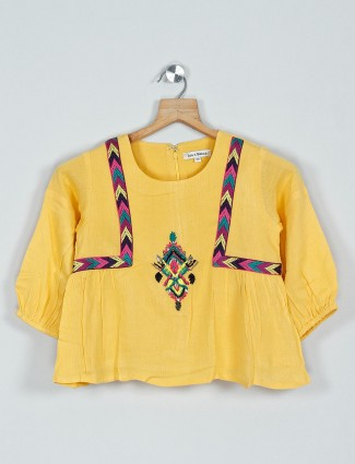 Leo N Babes casual cotton top in yellow