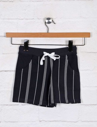 Navy stripe patern casual shorts