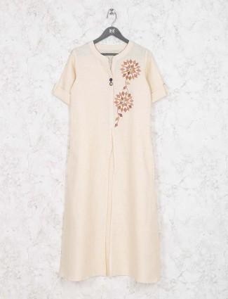Off white casual kurti in cotton