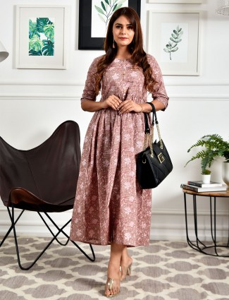 Onion pink printed cotton casual wear kurti
