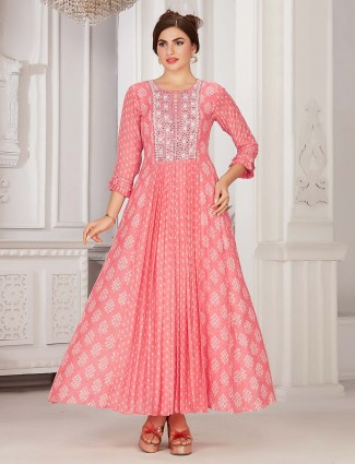 Pink cotton printed kurti with round neck
