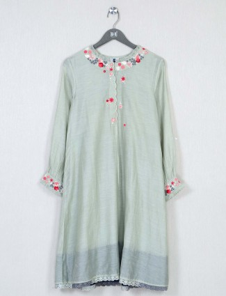 pista green solid casual look kurti in cotton