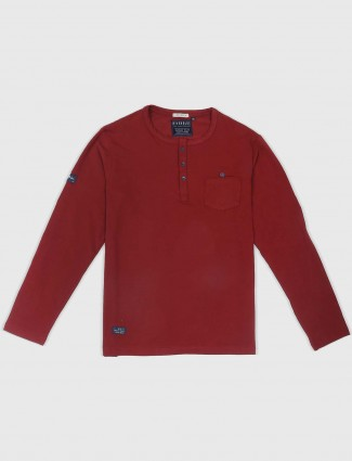 River Blue solid maroon t-shirt