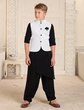 Stand collar white and black cotton stripe waistcoat set