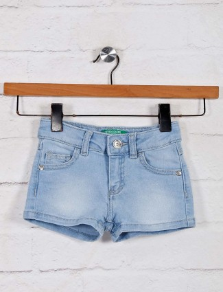 UCB blue washed denim solid shorts