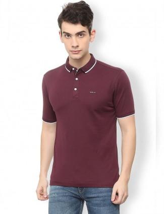 Van Heusen solid maroon hue t-shirt