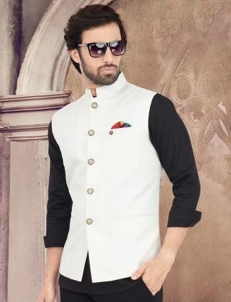 White cotton silk stand neck waistcoat