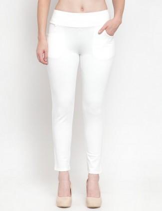 White soid cotton skinny fit jeggings