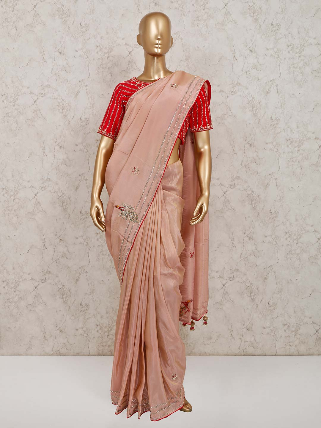 Pink satin saree for party look?imgeng=w_400