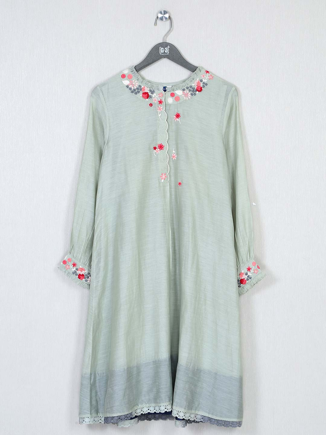 pista green solid casual look kurti in cotton?imgeng=w_400