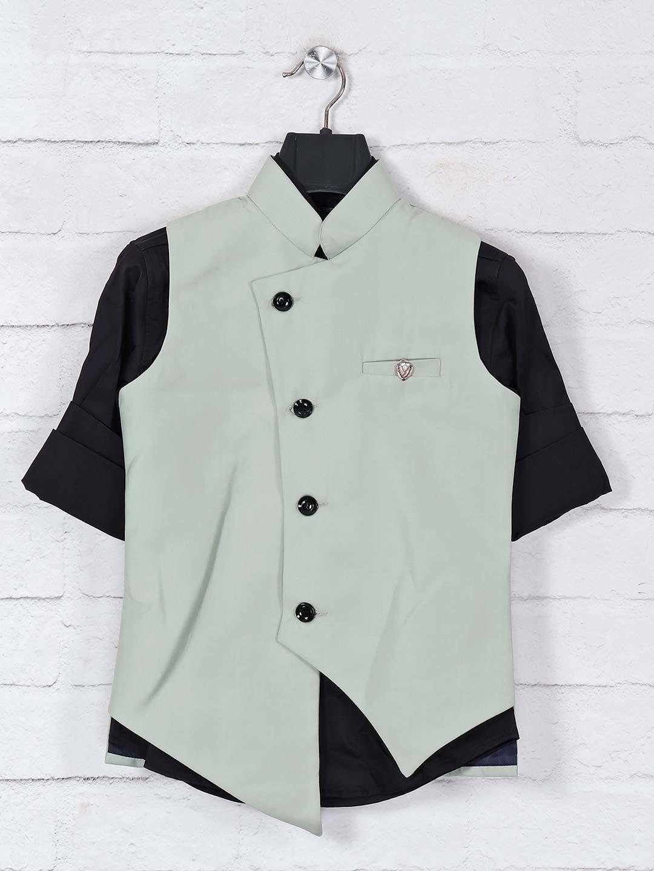 Pista green solid designer waistcoat set?imgeng=w_400