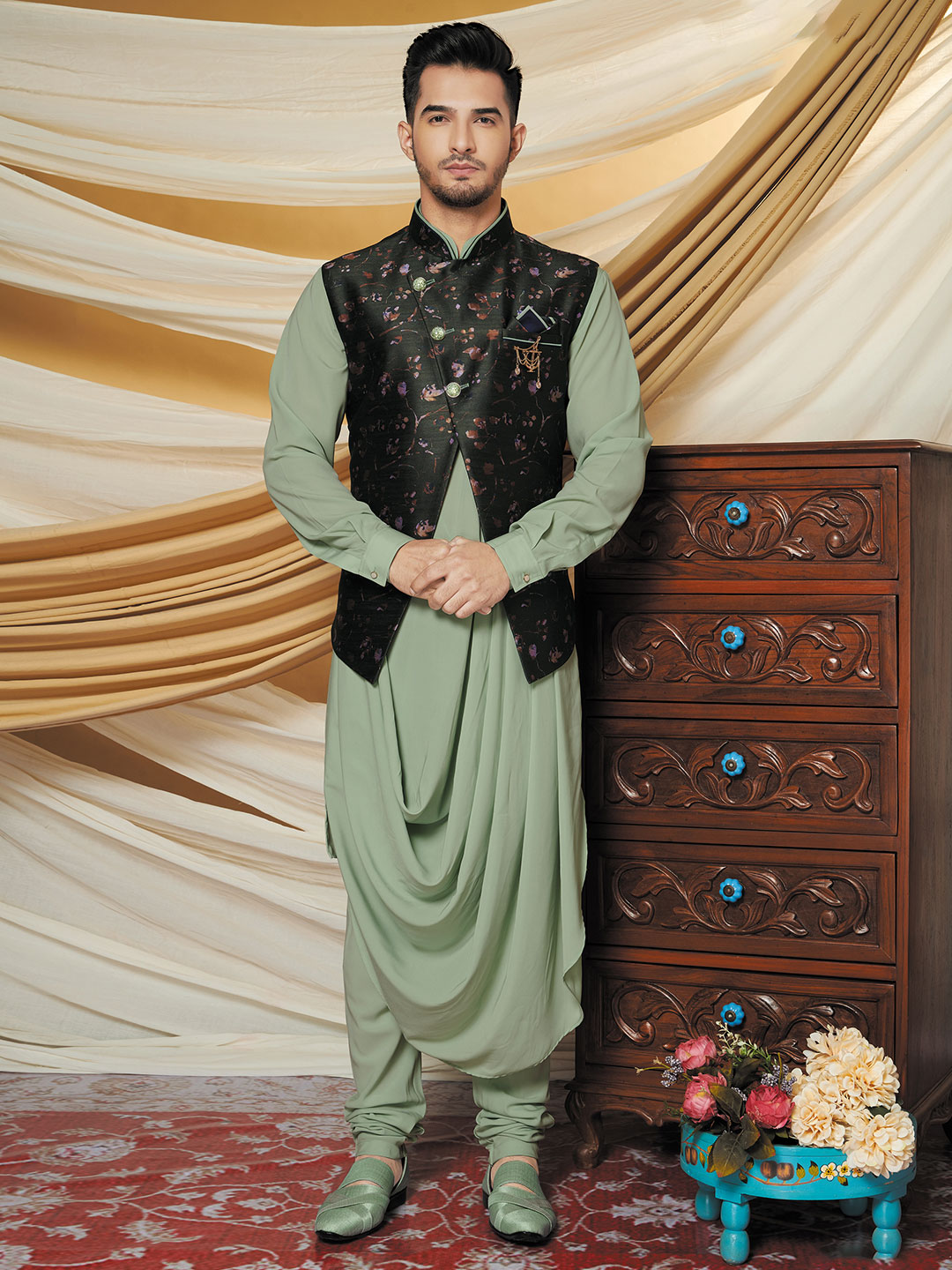 Raw silk waistcoat set for mens in green and black?imgeng=w_400