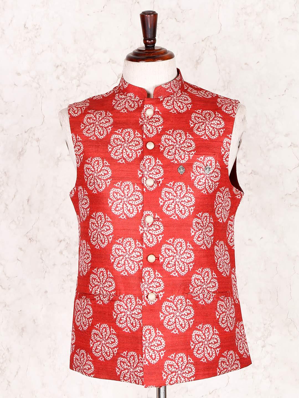 Red party wear mens cotton silk waistcoat?imgeng=w_400