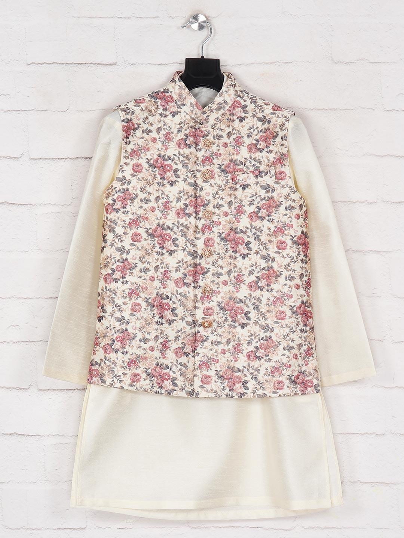 Silk off white waistcoat set for boys?imgeng=w_400