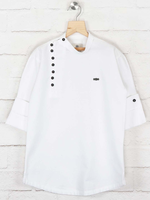 Solid white colored cotton kurta?imgeng=w_400