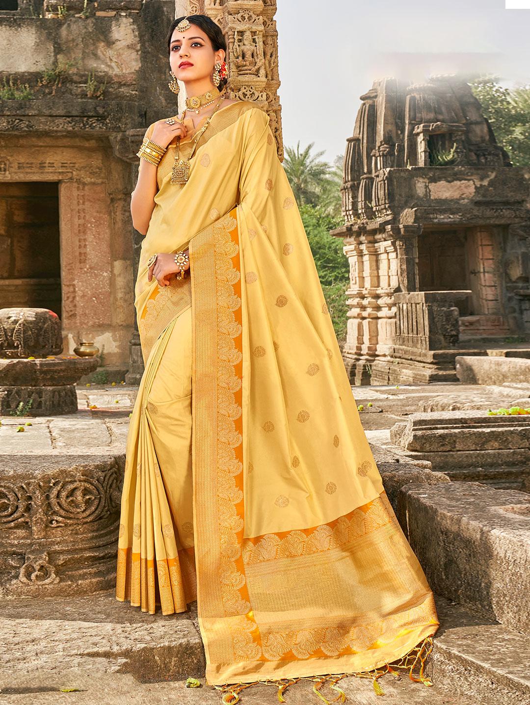 Spectacular cream banarasi silk saree for wedding occasion?imgeng=w_400