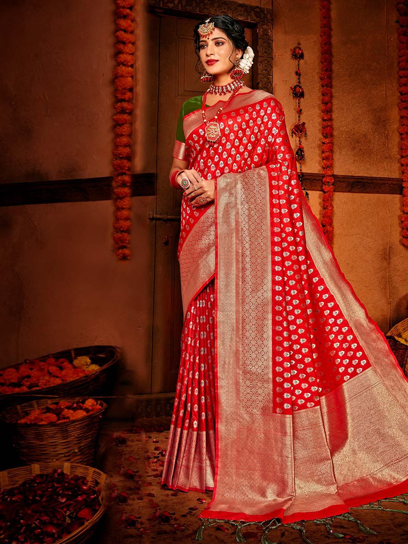 Trendy red banarasi silk for wedding session?imgeng=w_400