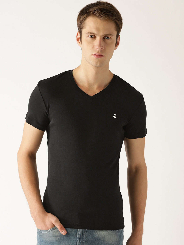 United Colors of Benetton plain black t-shirt?imgeng=w_400
